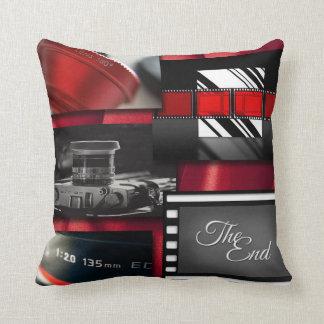 Coussin Collage noir et blanc rouge de film