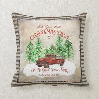 Coussin Cru rouge de camion de ferme d'arbre de Noël de