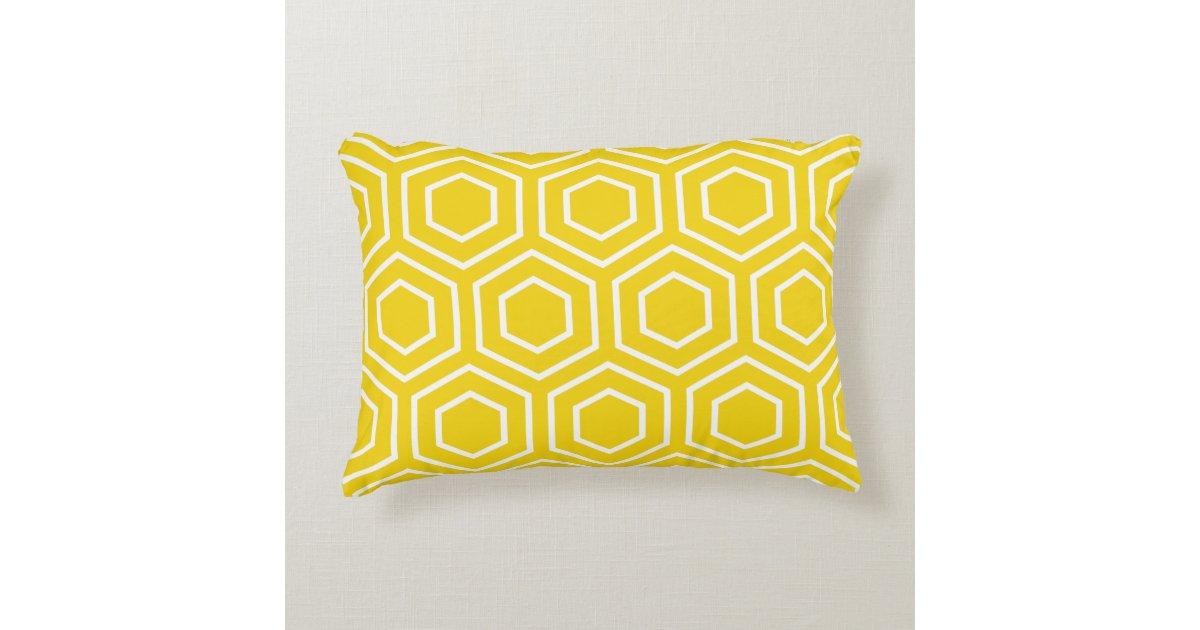 coussin d 39 accent motif jaune citron d 39 hexagone. Black Bedroom Furniture Sets. Home Design Ideas