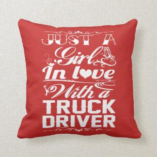 Coussin Dans l'amour avec un routier
