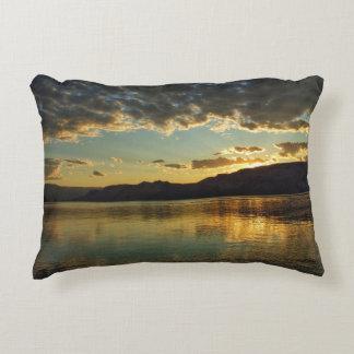 Coussin de coucher du soleil de lac roosevelt