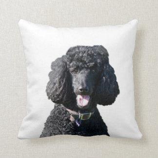 Coussin de coussin de photo de noir de chien de
