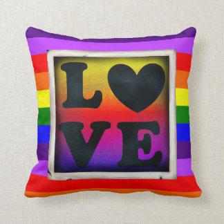 Coussin de fierté et de soutien du coeur LGBT