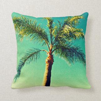 coussins palmiers. Black Bedroom Furniture Sets. Home Design Ideas
