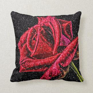 Coussin de rose rouge