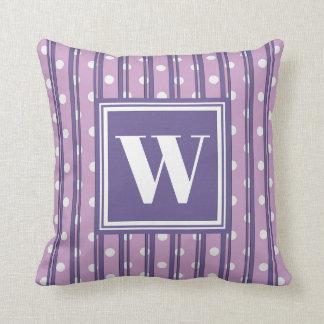 Coussin Décor élégant de point moderne violet de rayure de