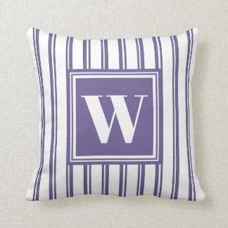 Coussin Décor élégant de rayure moderne violette de