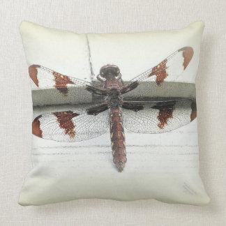 Coussin décoratif de libellule