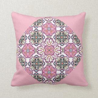 Coussin décoratif et rose