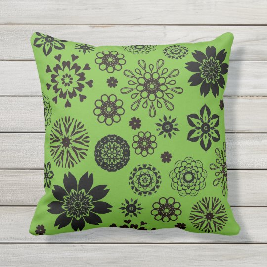 Coussin D'extérieur Bright  green cushion with rosace flowers