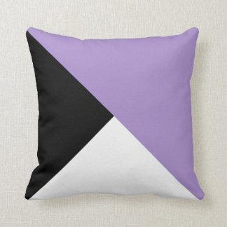 Coussin diagonal blanc noir lilas de bloc de