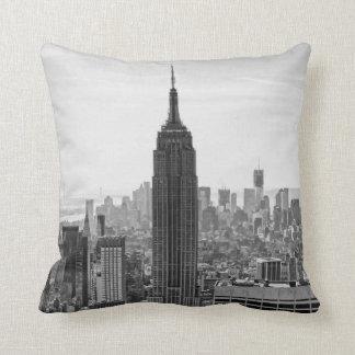 Coussin Empire State Building d'horizon de ville de NY,