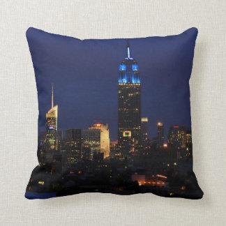Coussin Empire State Building tout dans le bleu, horizon