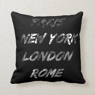 Coussin en polyester Paris-NYC-London-Rome
