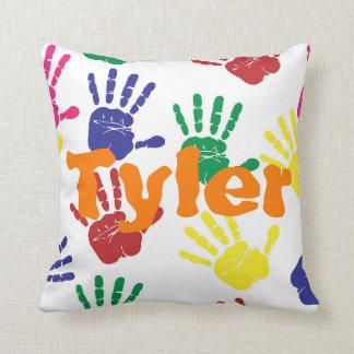 Coussin Enfants multicolores de handprint personnalisés