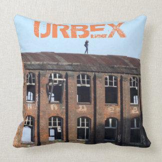 Coussin Fille sur le toit 01,0, URBEX, endroits perdus