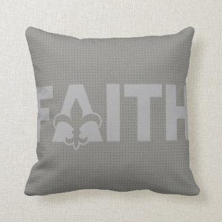 Coussin Fleur de lis Faith
