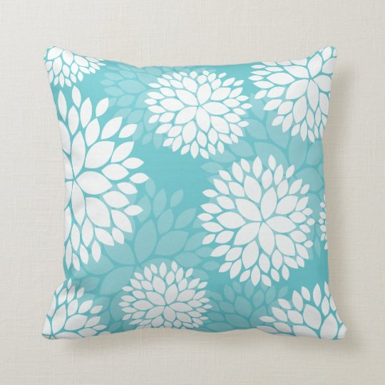 coussin floral blanc turquoise de motif. Black Bedroom Furniture Sets. Home Design Ideas
