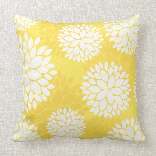 coussin floral jaune citron de motif zazzle. Black Bedroom Furniture Sets. Home Design Ideas