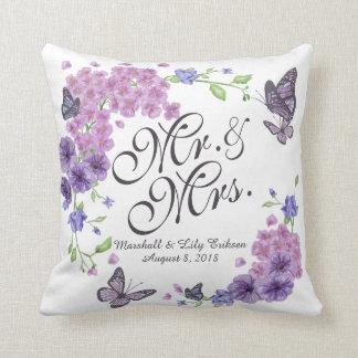 Coussin floral personnalisé de mariage de
