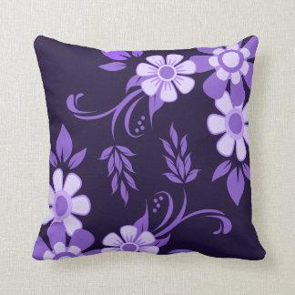 Coussin Floral violet pourpre