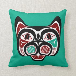 Coussin Haida du nord-ouest Kitty de Côte Pacifique