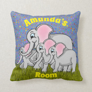 Coussin heureux de carré d'éléphants