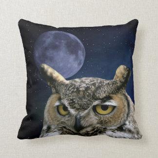 Coussin Hibou et lune bleue
