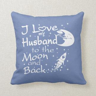 Coussin J'aime mon mari à la lune et au dos