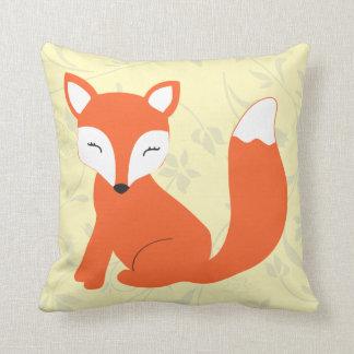 Coussin jaune mignon de Fox de bébé