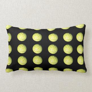 Coussin jaune noir de Lumbar de motif de boule de