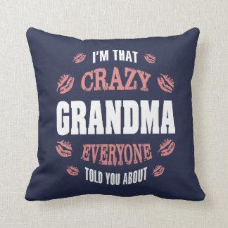 Coussin Je suis cette grand-maman folle…