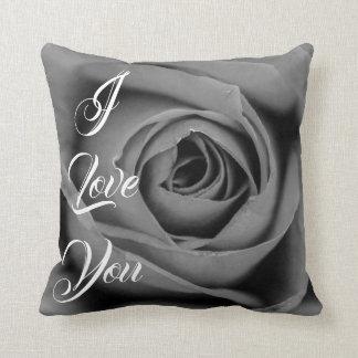 Coussin Je t'aime carreau monochromatique de rose