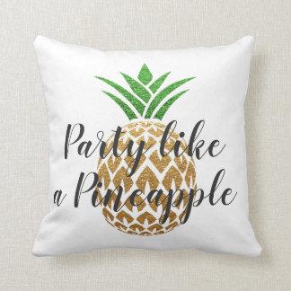 Coussin La partie aiment un anniversaire tropical d'ananas