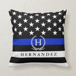 Coussin La police décorée d'un monogramme a dénommé la