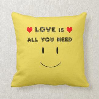 Coussin L'amour est tout que vous avez besoin