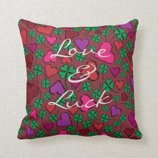Coussin L'amour et la chance soient avec vous