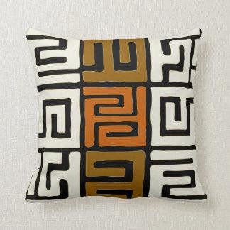 Coussin Le tissu de Kuba a inspiré des couleurs de terre