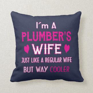 Coussin L'épouse du plombier