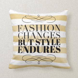 Coussin Les changements de mode, style supporte