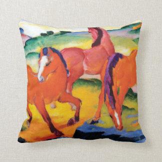 Coussin Les chevaux rouges par Franz Marc