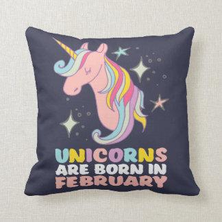 Coussin Les licornes sont en février fille mignonne née