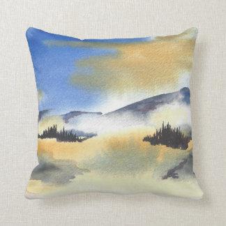 Coussin Lever de soleil dans le paysage bleu et jaune.