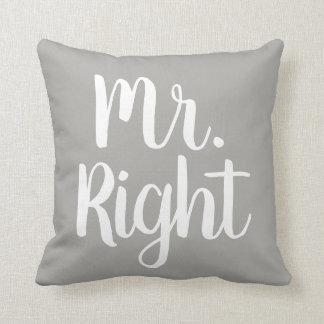 Coussin M. gris et blanc Right Husband/ami