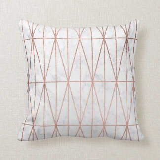 Coussin Marbre rose de blanc d'or de triangles