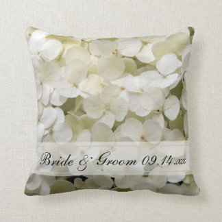 Coussin Mariage floral d'hortensia blanc