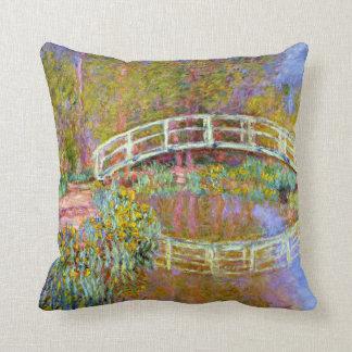 Coussin Monet - pont dans le jardin de Monet