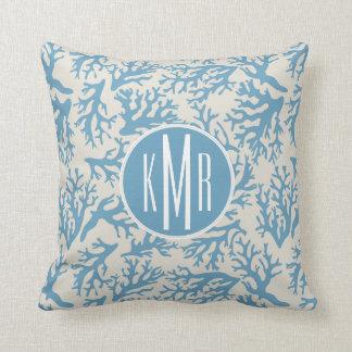 Coussin Monogramme de corail bleu du motif |