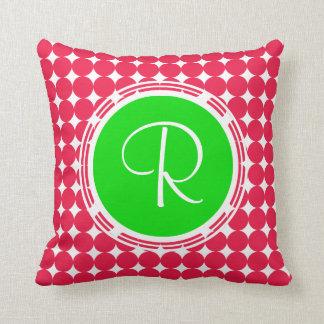 Coussin Monogramme vert et rouge de point de polka