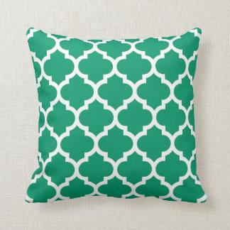 Coussin Motif blanc #5 de Quatrefoil de Marocain de vert